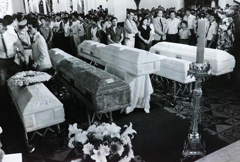La masacre de la Cruz (en el cerro San Miguel) de Alajuelita, en la que murieron siete mujeres, el 6 de abril de 1986, es el primer hecho criminal que se le atribuyó al Psicópata. En total, habría matado a 19 personas.  Foto tomada de La Nación.