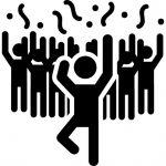 hombre-en-una-fiesta-bailando-con-la-gente_318-57943