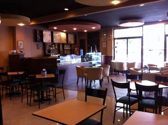 Ambiente restaurante y creperia