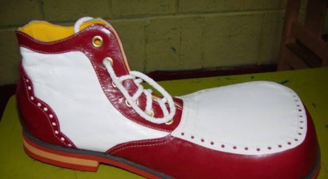 Foto tomada de FB Melendez Sanchez Zapatos DE payasos
