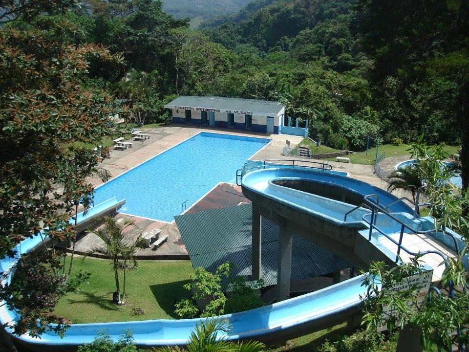 Gu a de balnearios y piscinas conozca su cant n for Piscina 90cm altura