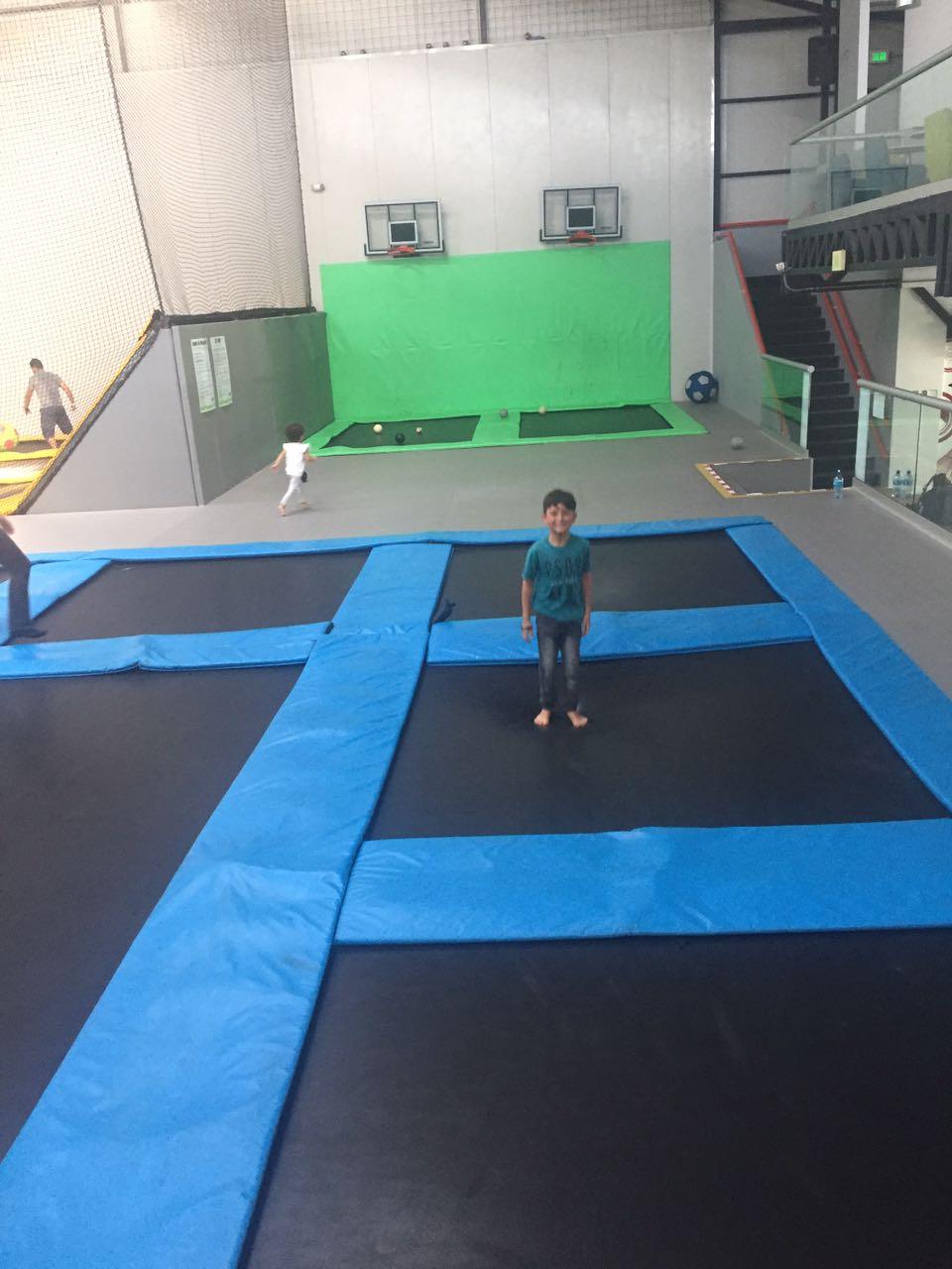 Conozca el parque de trampolines para peque os y grandes for Trampolines para piscinas